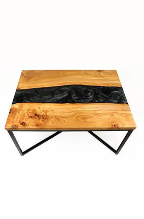 table basse en bois d'orme et résine époxy noire nacrée design