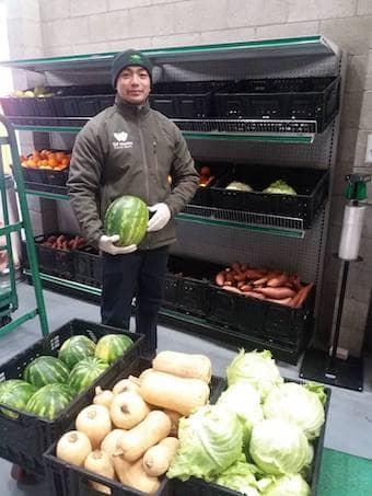 Volunteer at Kezar Stadium pop-up pantry