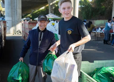 Prepare and deliver grocery bags for San Francisco residents with City Team
