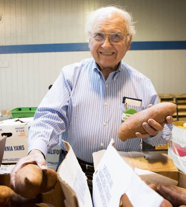 The Food Bank delivers food to 251 (and counting) weekly pantries across #SF and Marin, where hundreds of volunteers help distribute the food to families, seniors, and individuals.
