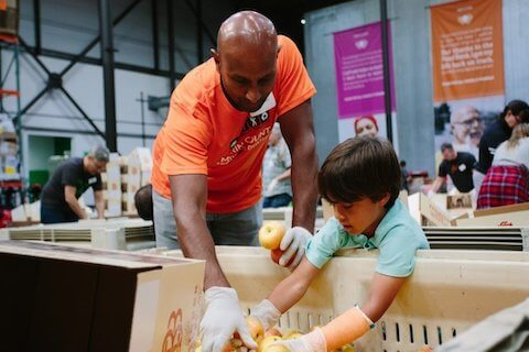 San Francisco-Marin Food Bank: volunteering means help