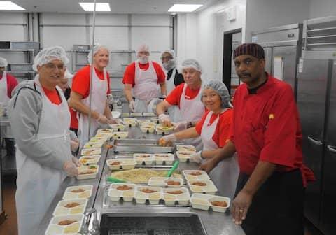 Volunteers at SOS Meals on Wheels