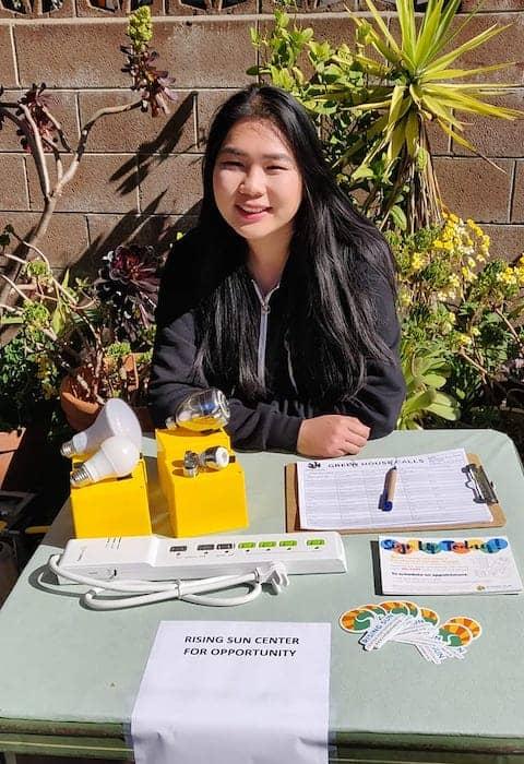 Berkeley Food Pantry volunteer