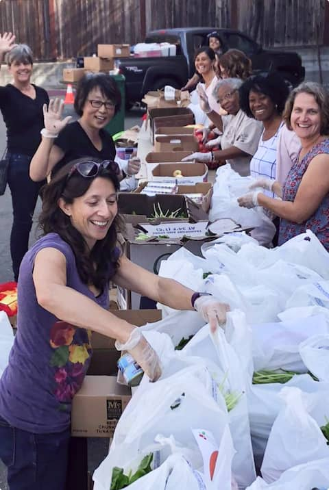 Volunteers at the pop-up pantry of Berkeley Food Network