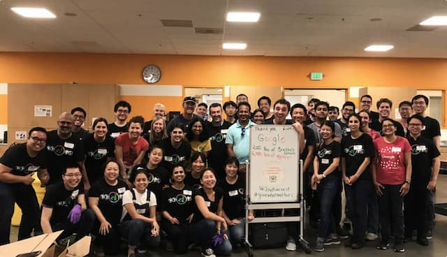 Google team volunteering at Second Harvest of Silicon Valley
