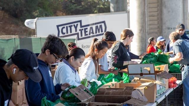 Volunteers at the CityTeam pop-up pantry