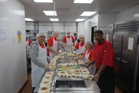 Volunteer with SOS Meals on Wheels