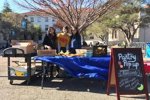 Our last pantry pop-up of the year!!! Finals season can be stressful but please don't forget to join our volunteering team at UC Berkeley Food Pantry