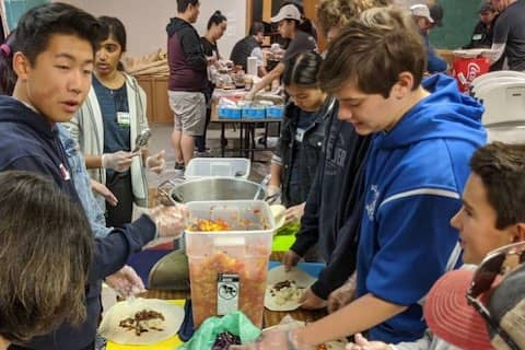 Volunteering at Eastoakland Burrito Roll