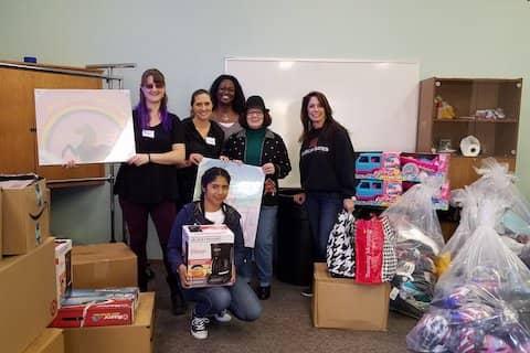 Tri-Valley Haven volunteers
