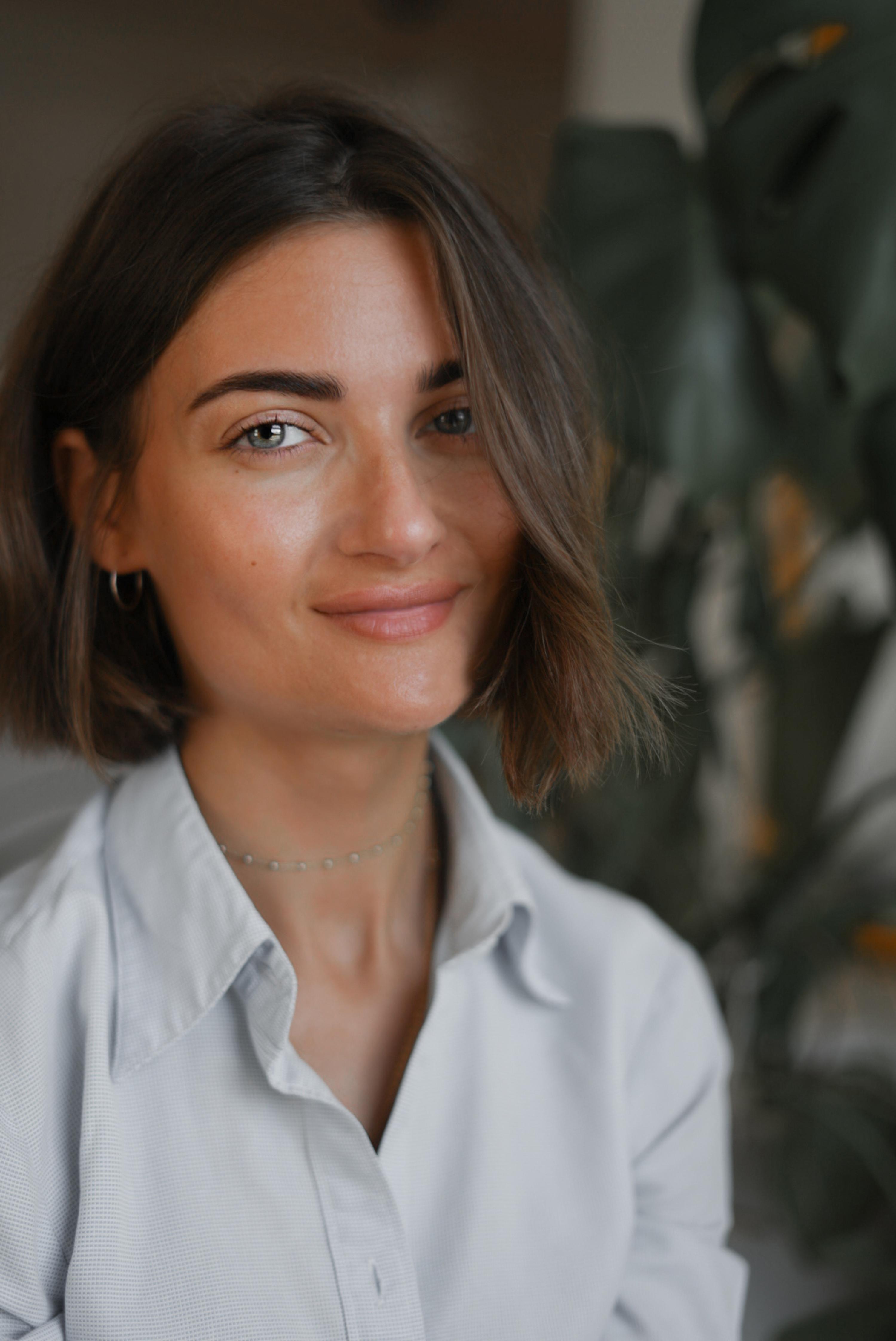 Portrait image of Zoe, the founder of Studio Zo