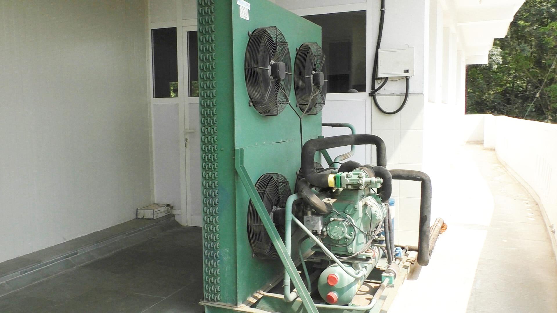 condensing unit for blast freezer