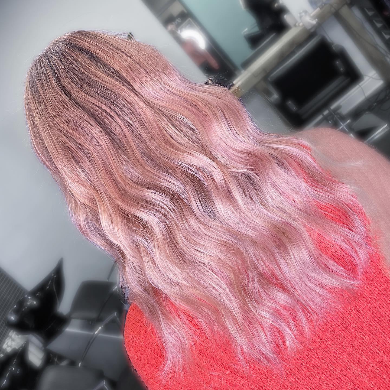 #essexhairsalon  #essexhair #essexhairstylist #ghdhair #essexhairdressing #londonhair #hairdressing #pinkbalayage #naturalbalayage #hairgoals #londonbalayage #pinkhair #hairdresserlife #elevenaustralia #londonbalayage #londonbabylights #londonhaircolour #essexhairfashion #instahair #modernsalon #essexbalayage #blondehair #faceframe  #hairdressersjournal #ashbalayage #essexhairdresser #essexbabylights #livedinblonde #iamhairartistwin #lorealpro #olaplex