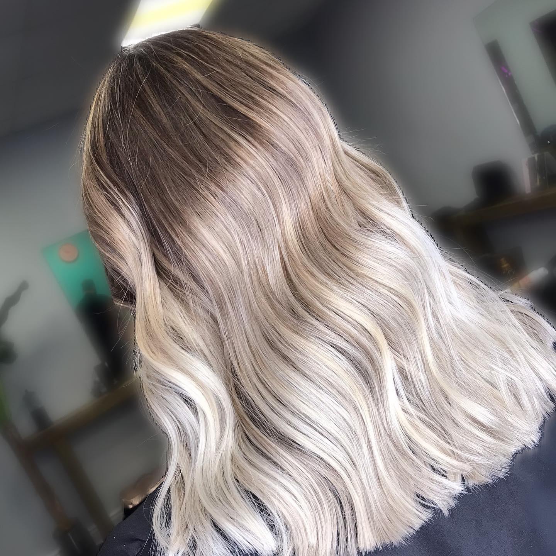 #essexhairsalon  #essexhair #essexhairstylist #ghdhair #essexhairdressing #londonhair #hairdressing #hairstyles #naturalbalayage #hairgoals #londonbalayage #balayage #hairdresserlife #elevenaustralia #londonbalayage #londonbabylights #londonhaircolour #essexhairfashion #instahair #modernsalon #essexbalayage #blondehair #faceframe  #hairdressersjournal #ashbalayage #essexhairdresser #essexbabylights #livedinblonde #iamhairartistwin #lorealpro #olaplex