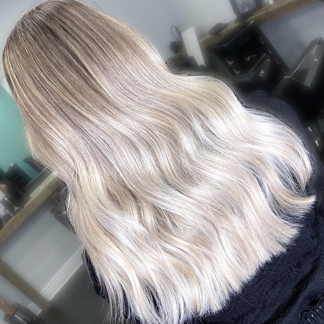 #essexhairsalon  #essexhair #essexhairstylist #essexhairdressing #londonhair #hairdressing #hairstyles #naturalbalayage #londonbalayage #balayage #hairdresserlife #elevenaustralia #londonbalayage #londonbabylights #londonhaircolour c#essexhairfashion #essexbalayage #blondehair #faceframe  #hairdressersjournal #ashbalayage #essexhairdresser #essexbabylights #livedinblonde #olaplex