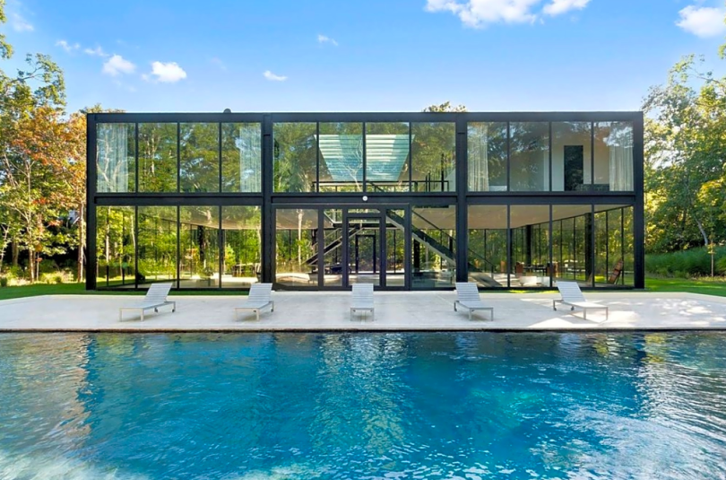 glass house for party
