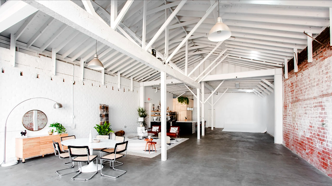 Chic space warehouse