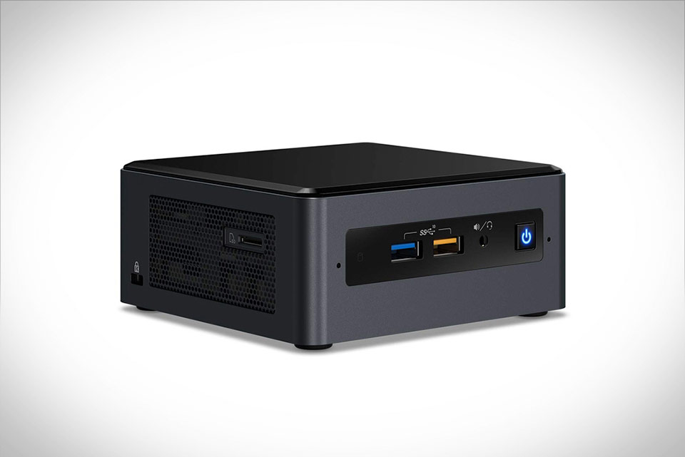 Intel NUC 8 Core i7