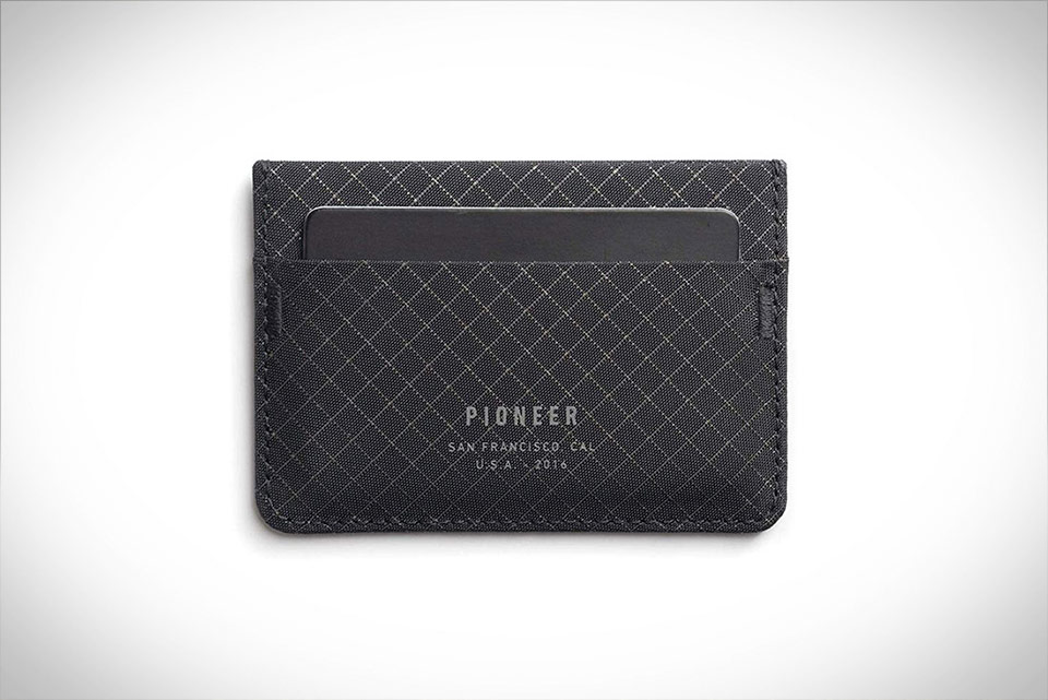 Pioneer Molecule Card Holder