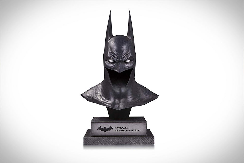Arkham Asylum Batman Statue