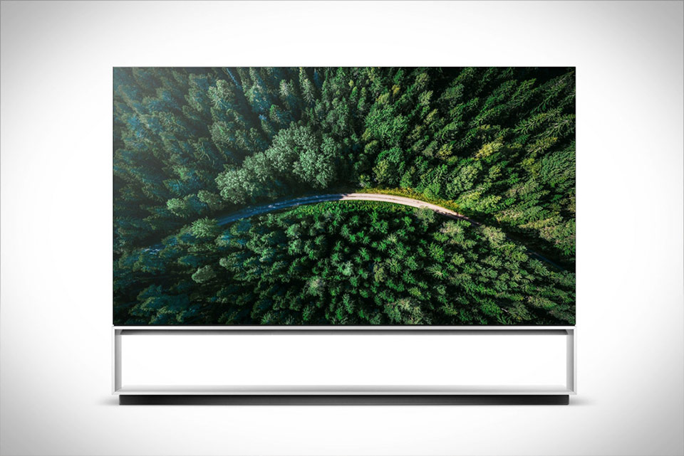 LG Signature Z9 8K 88 Inch TV