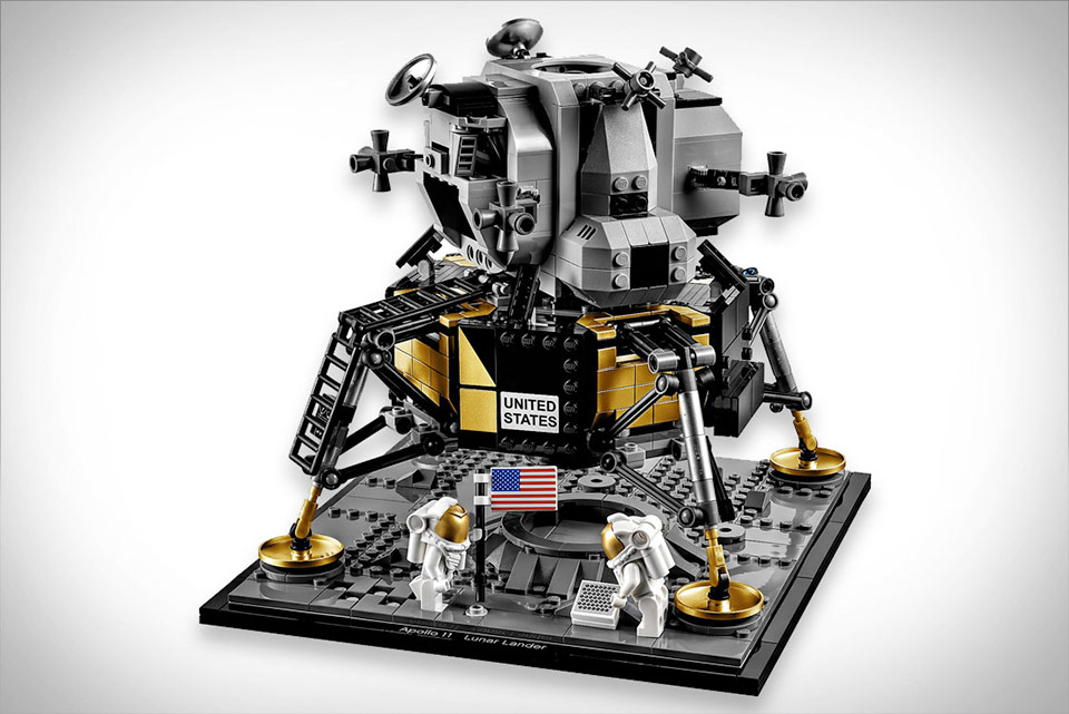 NASA Apollo 11 Lunar Lander LEGO