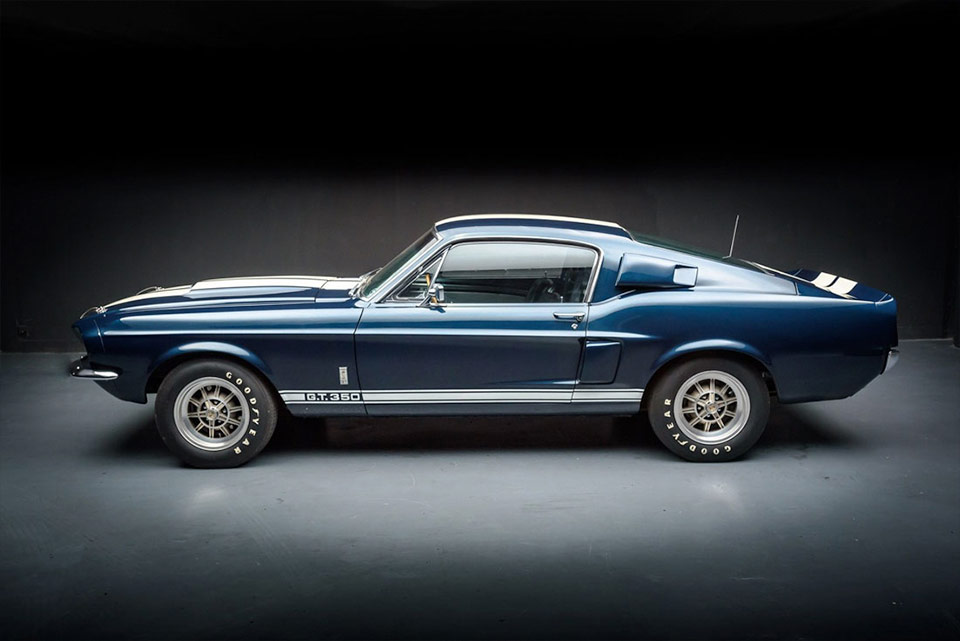 1967 Ford Shelby GT350 a muscular car