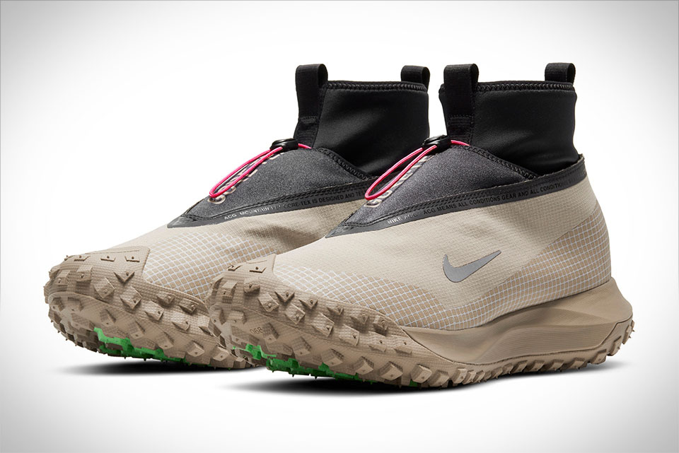 Nike ACG Mountain Fly Gore-Tex Sneakers