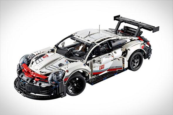 LEGO Technic Porsche 911 RSR Replica