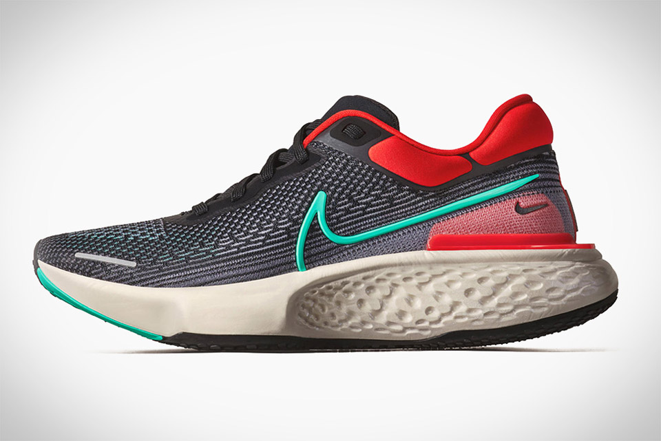 Nike ZoomX Invincible Run Sneakers