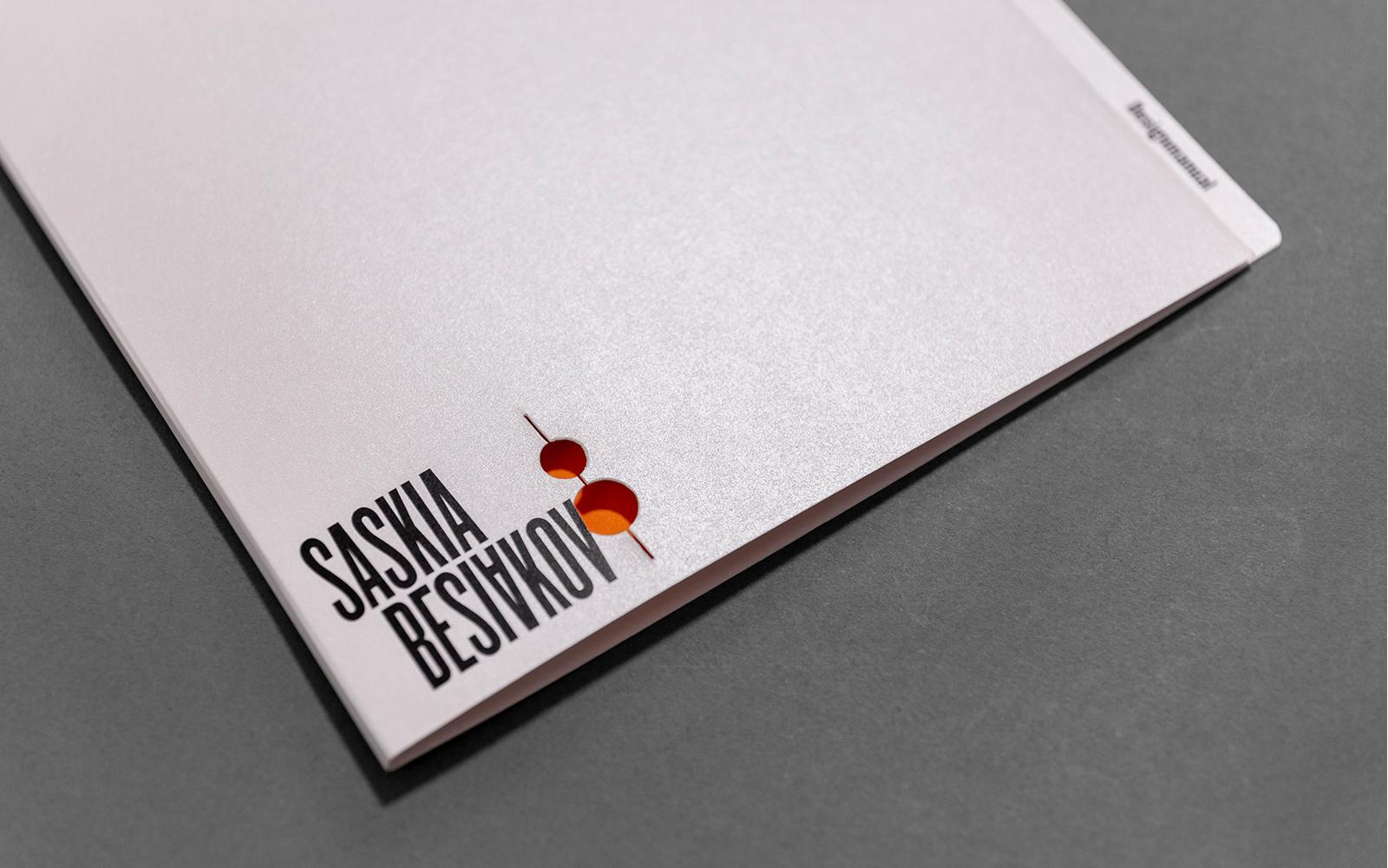 Saskia Besiakov designmanual omslag