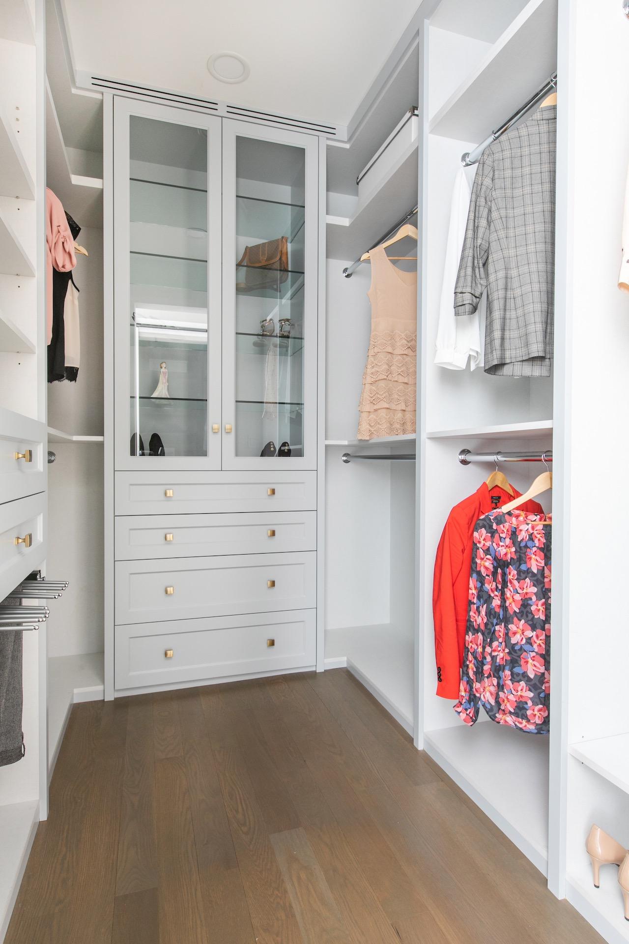 NIICO woman's Wardrobe