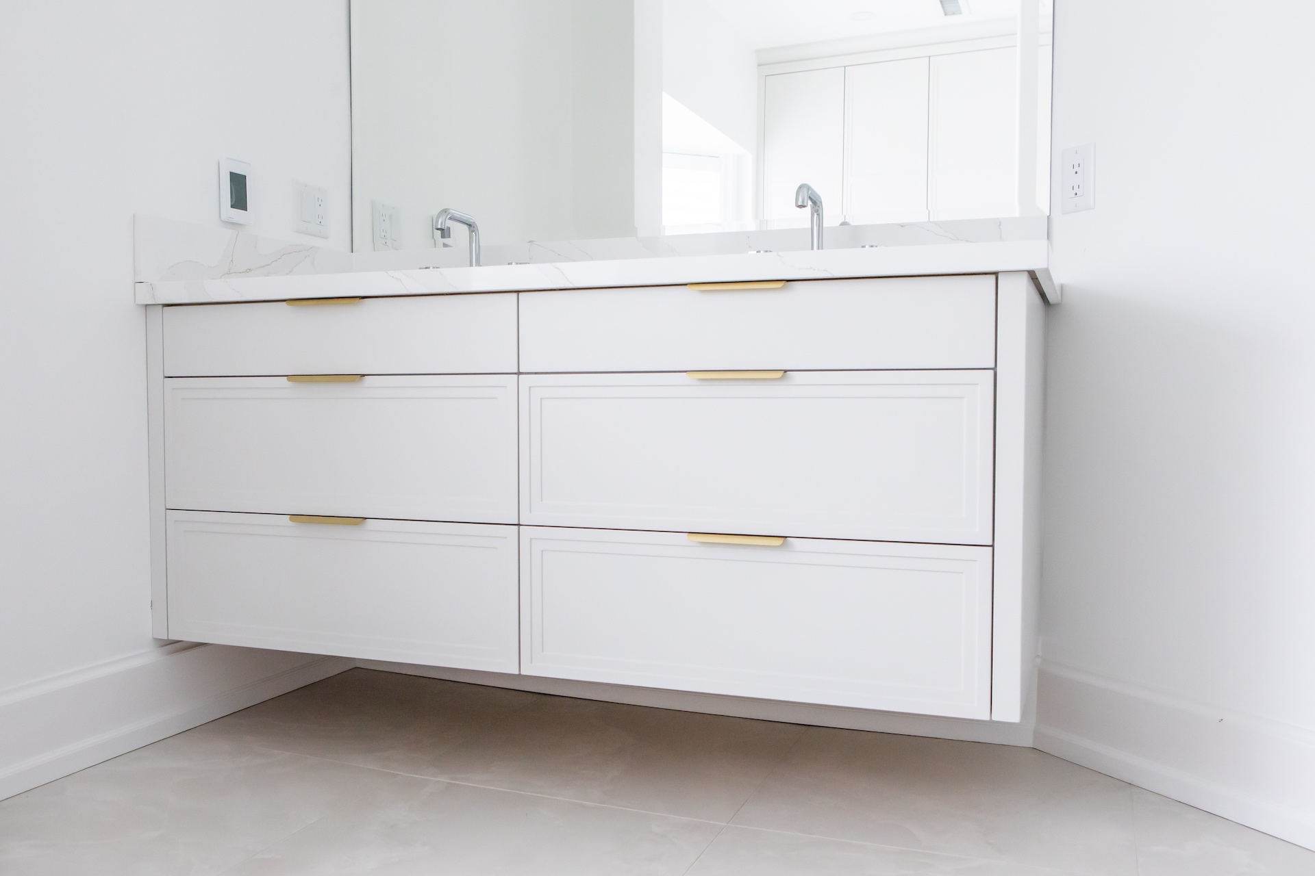 white bath vanity