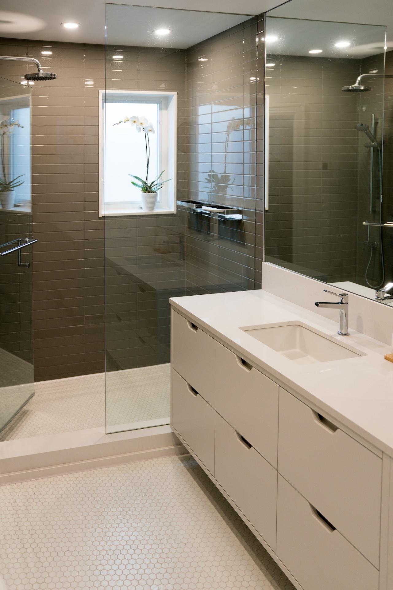 bath vanity white
