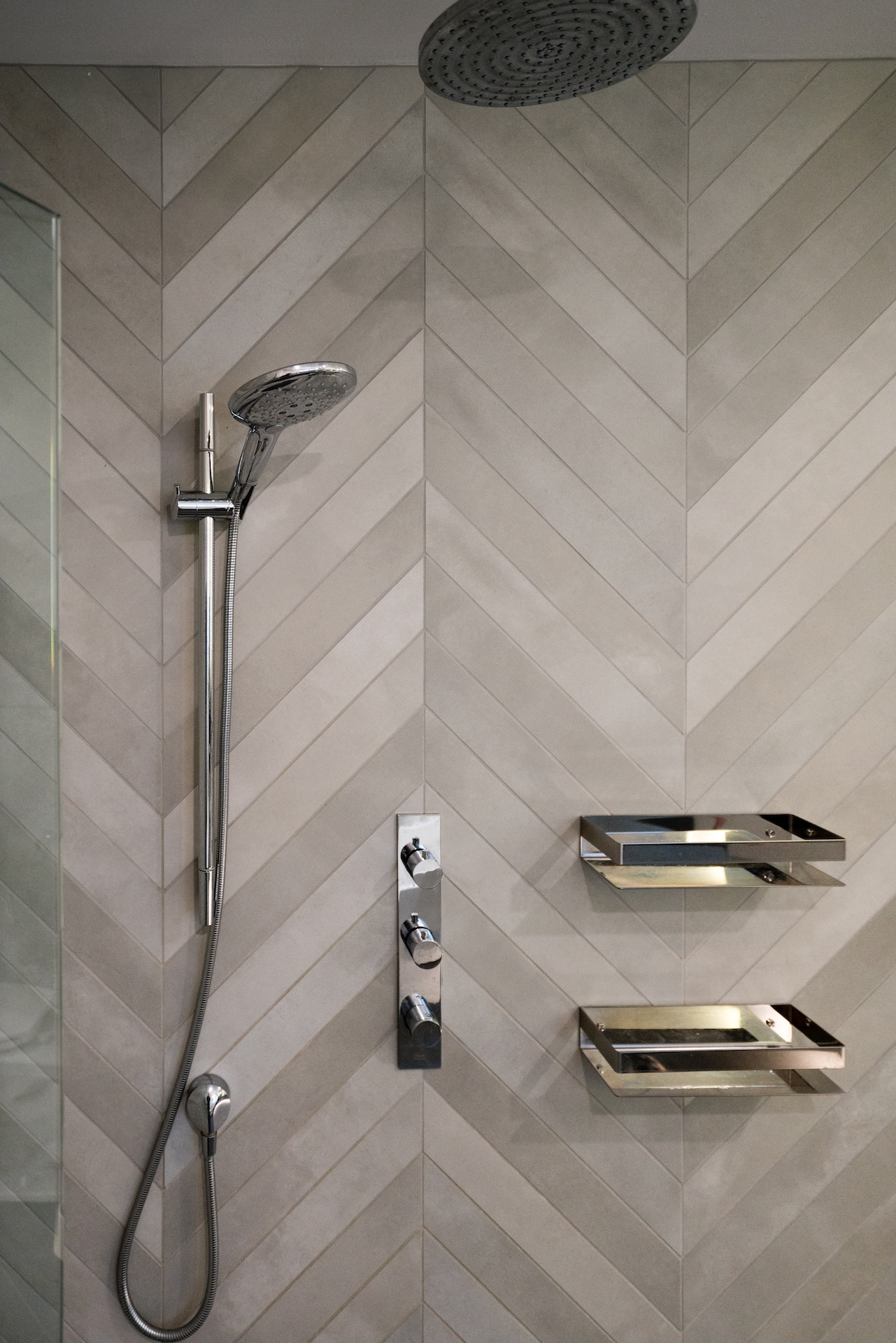 shower hardware with tile