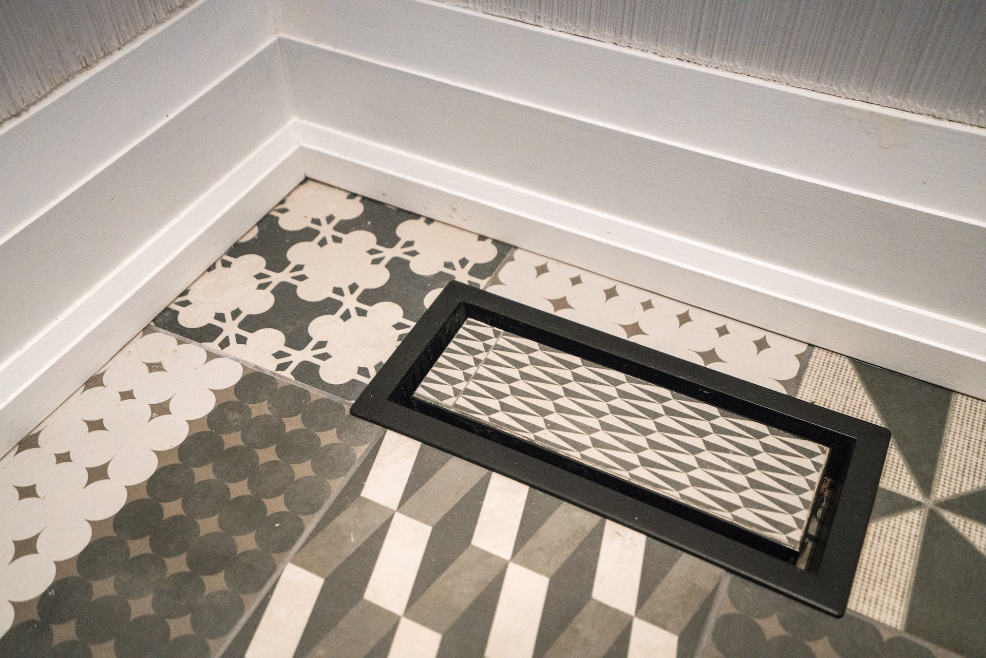 tile floor with vent