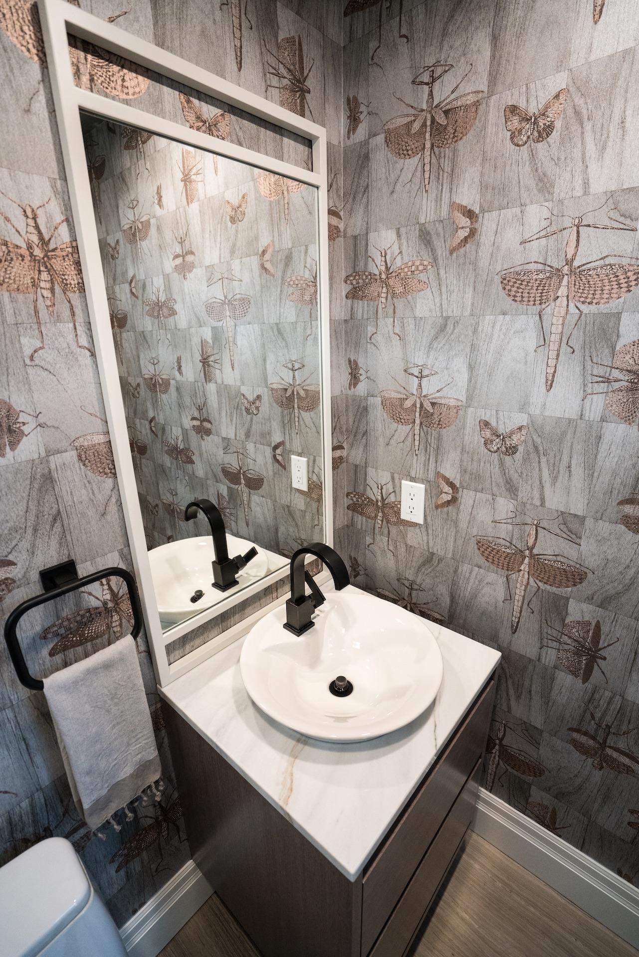 bath vanity with mirror