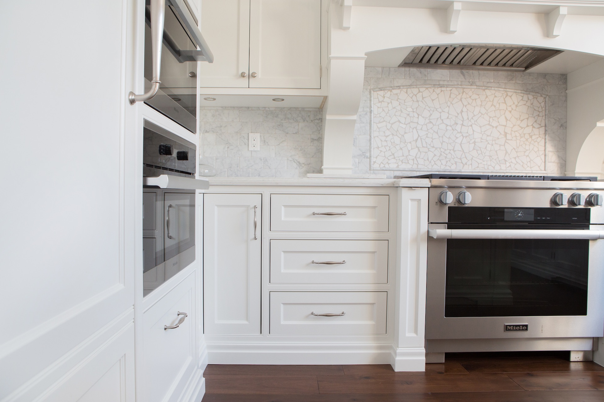 kitchen cabinets with stove and oven