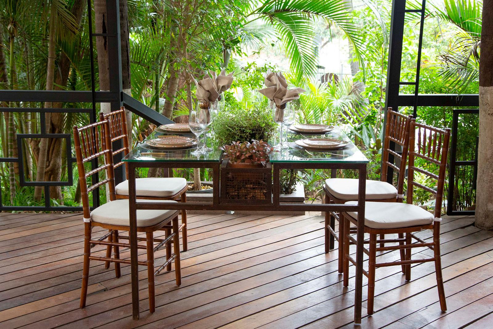 Cadeiras Empório Tiffany, Pedrotti Flores e Café, Maria