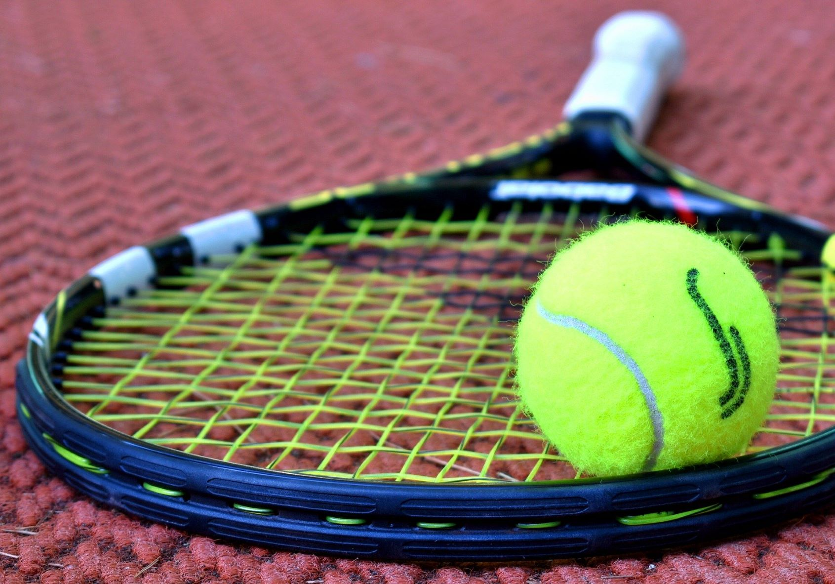 sporting goods tennis racket