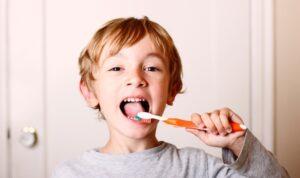 Controla el flúor, protege la sonrisa de los niños