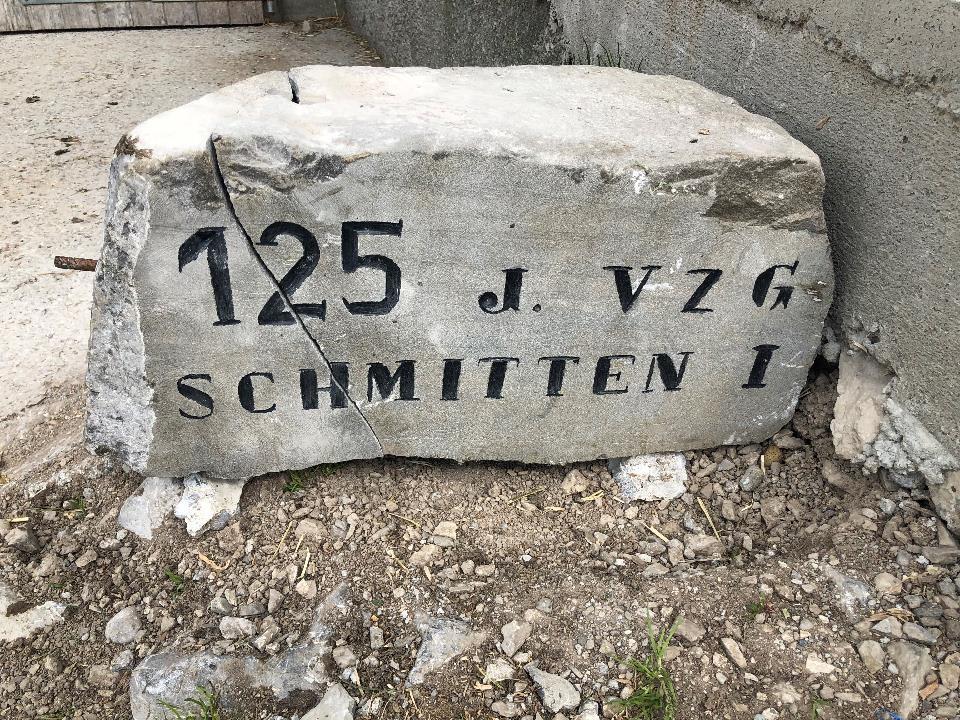 Stein der Viehzucht- & Alpgenossenschaft Schmitten