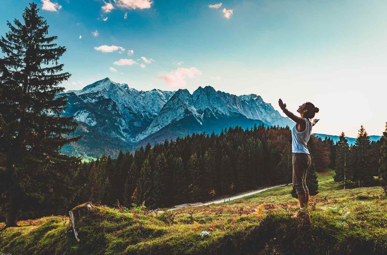 In Bayern gibt es zahlreiche Wandergebiete als Erlebnistipp für den Aktivurlaub zuhause!