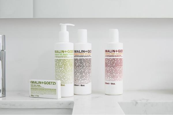 shower grooming tools