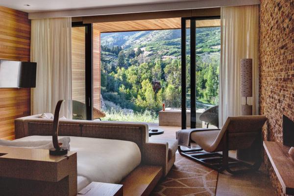 auberge resort room