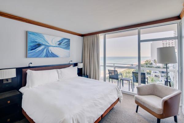 ocean view bed room at carillon miami