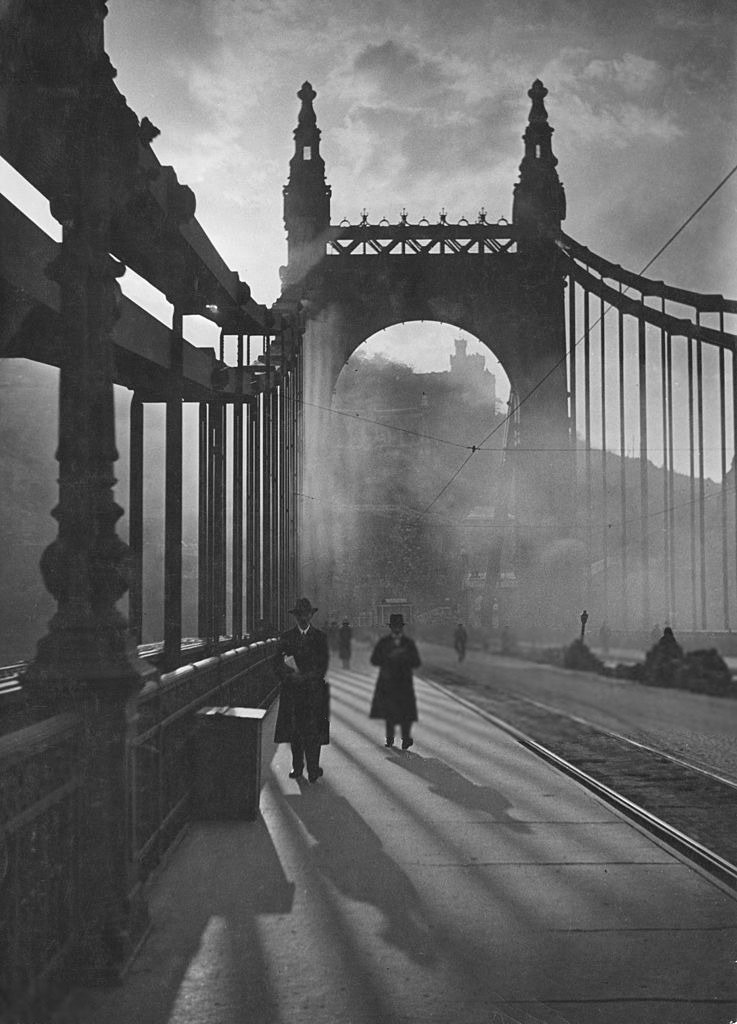 Getty Images. The Elizabeth Bridge in Budapest, 1930s.