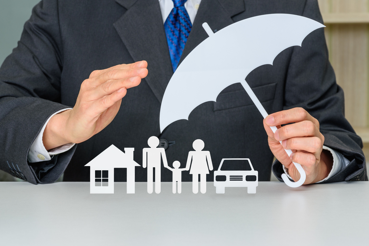Insurance image protecting home and family