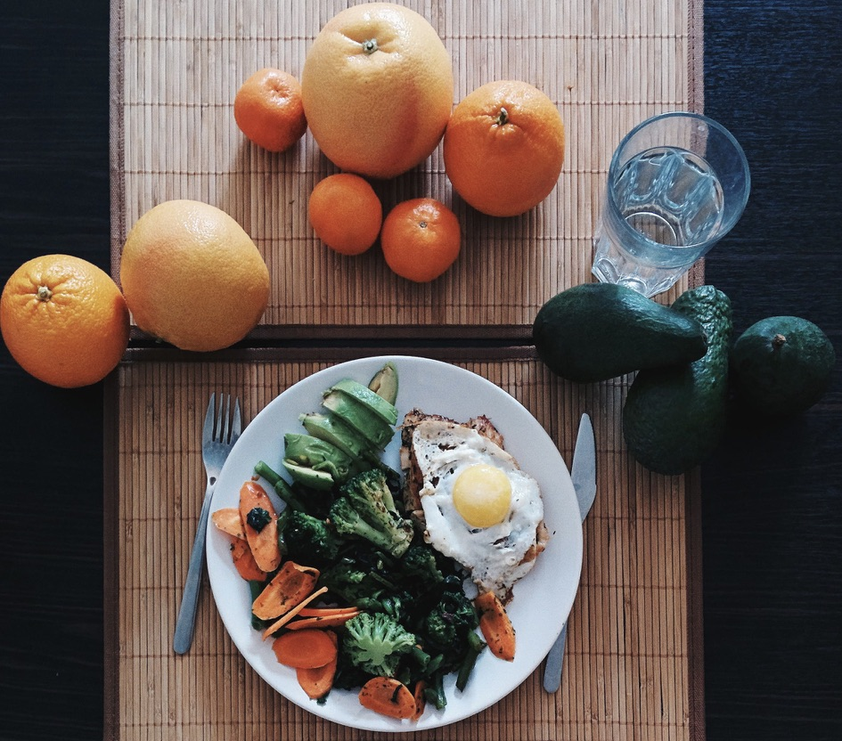 The Difference between conventional nutrition and Ayurvedic nutrition