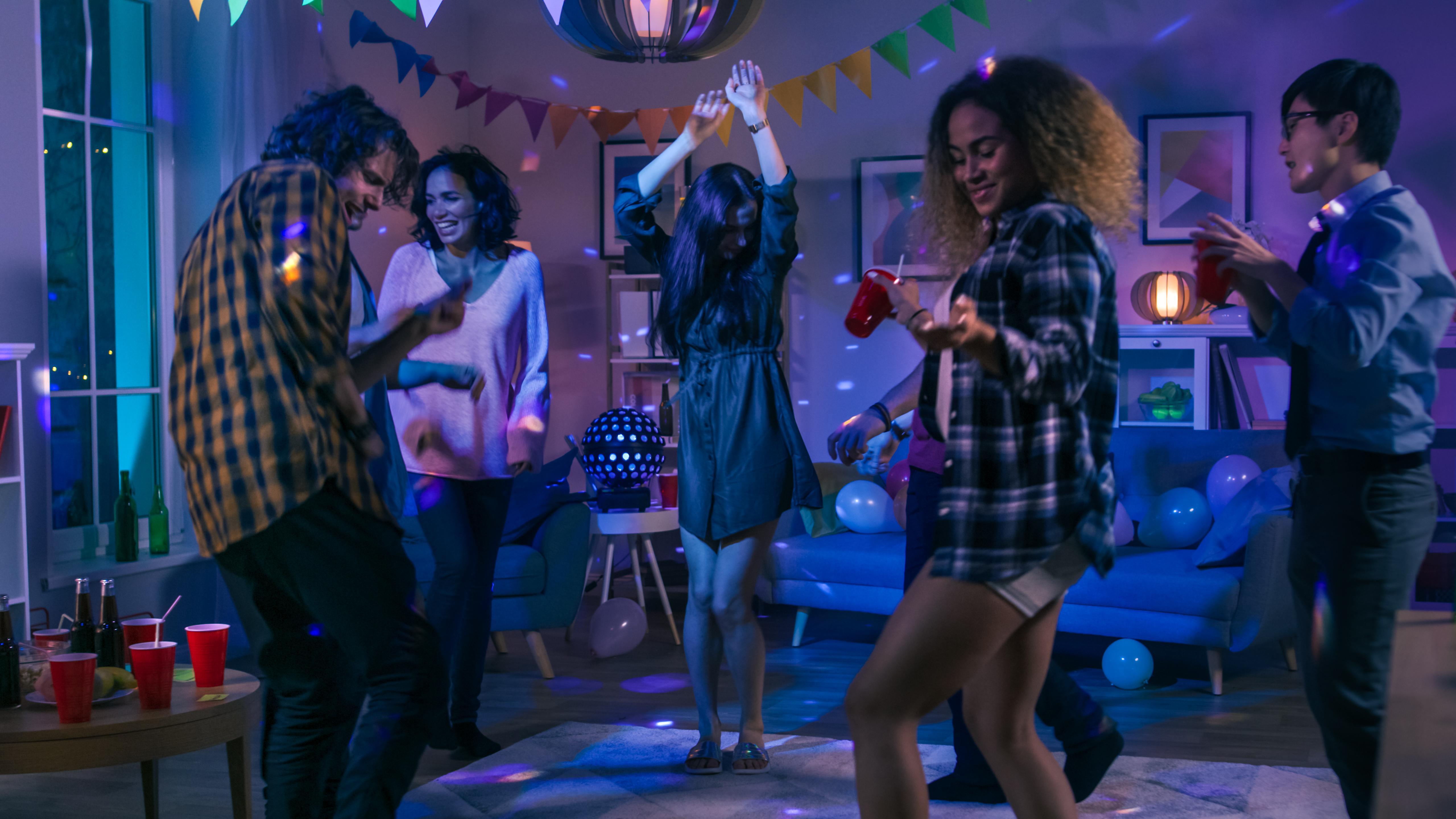 festa in casa giochi alcolici